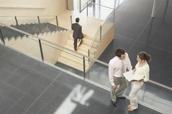 חדר מדרגות נקי